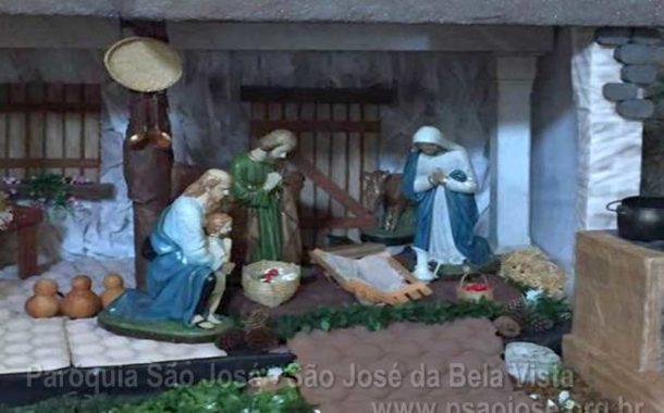 Paróquia São José monta presépio