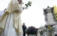 Finados: Papa, a esperança da ressurreição não decepciona